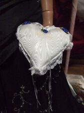 Coussin coeur taffeta blanc moiré et bleu Porte alliances cérémonie mariage