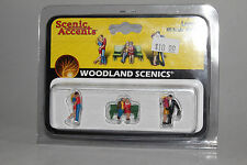 WOODLAND SCENICS HO LAYOUT FIGURES--LOVERS--NEW IN BOX