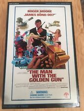 """James Bond 12"""" Action Figure """"Roger Moore"""" The Man With The Golden Gun Sideshow"""
