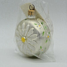 Patricia Breen 1998 Christmas Ornament Daisy Medallion Pearl Signed Dated 9899