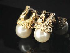 Boucles d'Oreilles Dormeuse Doré Gravure Perle Blanc Vintage Simple  DD11