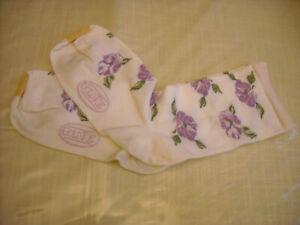 Socks with purple pansy flowers