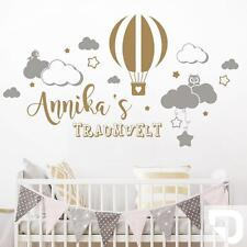 Wandtattoo Traumwelt mit Name und Wolken fürs Kinderzimmer von DESIGNSCAPE®