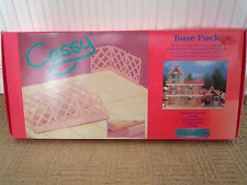 VINTAGE WORLD OF CASSY / BASE SET / BY HORNBY 1992 IN BOX / NEVER USED