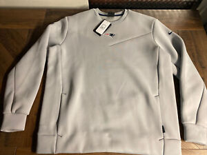 Nike New England Patriots Sideline On-Field Dri-Fit Therma Sweater Mens LARGE