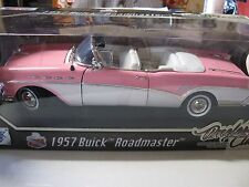 1:18 SCALE MOTORMAX 1957 BUICK ROADMASTER TIMELESS CLASSICS CONV. PINK/WHITE