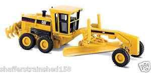 Norscot # 55127 Caterpillar(R)  160H Motor Grader Assembled HO Scale MIB