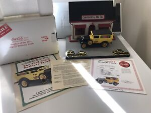 Danbury Mint 1931 Ford Panel Delivery Truck 1:24 Yellow & Black Coca-Cola