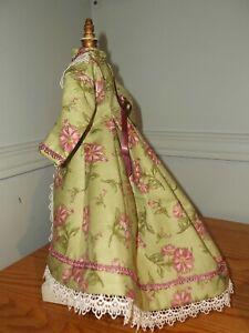 "12"" French Fashion Doll Cotton Morning dress/Wrapper. Very pretty trims. Pics."