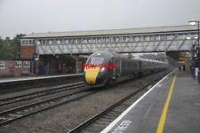 PHOTO  GWR CLASS 800 AT NEWBURY RAILWAY STATION