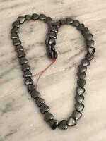 24 Vintage Plastic Light Moss Greeb ivy shaped beads