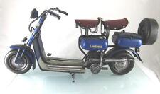 25 0000 21: Blechmodell eines historischen Lambretta Motorrollers. Sehr groß.