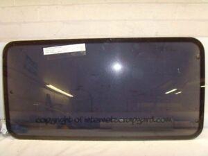 Mitsubishi Delica L300 2.5 4D56 86-94 RH OS centre middle glass window