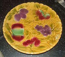 Grand plat rond en barbotine Sarreguemines DV Digoin Vitry / Décor fruits Ø 30cm