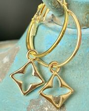 Gold Tone Diamond Shape Quatrefoil Dangle Lever back Hoop Earrings.