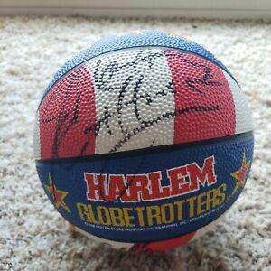 1994 Harlem Globetrotters Mini basketball Autographed Signed