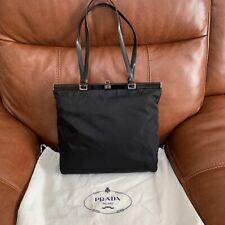 Bolsa de nailon negro Vintage Prada con bolsa de polvo