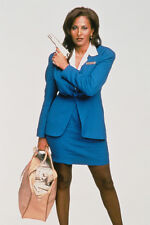 Pam Grier As Jackie Brown In Jackie Brown 11x17 Mini Poster Holding Gun And Bag