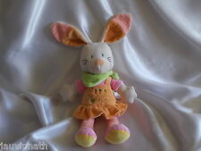 Doudou lapin blanc, robe orange, bandana vert , Nicotoy