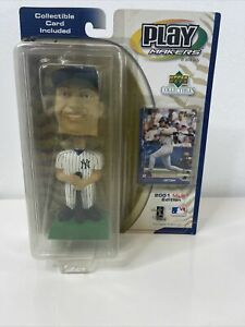 DEREK JETER BOBBLEHEAD 2001 MLB EDITION NEW IN PACKAGE WITH COLLECTIBLE CARD  a