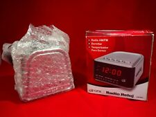 GPX  AM/FM Radio Alarm Clock CR1807-New