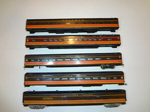 HO Passenger Train Illinois Central By American Beauty Vintage 1960' streamliner