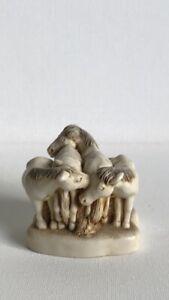 Hand Crafted Resin Herd Of 4 Huddled Horses Lidded Trinket Pot