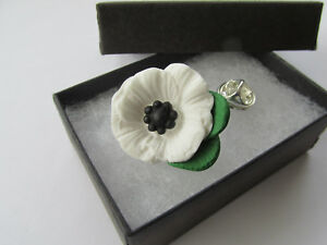 Handmade Unusual Fimo White Peace Poppies Flower Brooch Lapel Pin - Gift Boxed