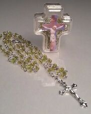 Rosary Necklace GREEN Bead Silver Tone Crucifix Keepsake Case CRUCIFIXION Image