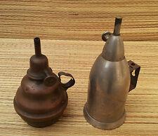 2 antichi piedi di lampada petrolio in metallo l'vino frizzante arte pop