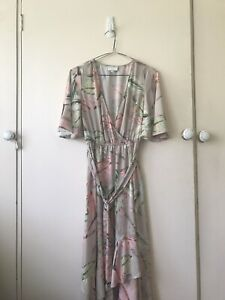 WITCHERY PARADISO Ruffle Dress Floral Wrap Style Dress Size 6