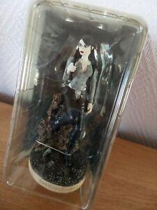 figurine lara croft tomb raider Goth neuve peint à la main