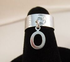 14Kt White Gold Ep Hammered Toe Ring With A Dangle Initial O