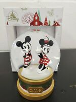 Disney - 2019 Mickey and Minnie Mouse Holiday Snowglobe 2019 - New in Box