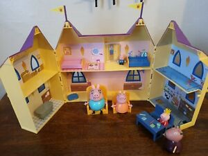 PEPPA PIG ROYAL CASTLE - SOME FURNITURE/ACC & FIGURES