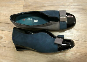 I LOVE BILLY TEAL GREY BOW low heel FLATS 8 7.5 suede Patent black wedge shoe