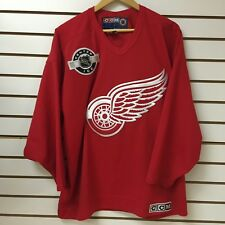 Vintage Detroit Red Wings Hockey Jersey Size Medium 1990s CCM