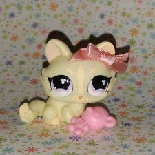 Littlest Pet Shop #848 cream crouching kitty cat purple eyes bow sitting persian