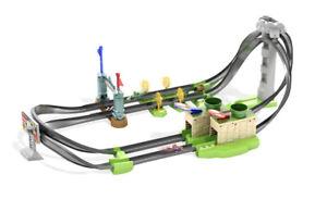 Hot Wheels GHK15 Mario Kart Circuit Track Playset With 1:64 Die -Cast Mario