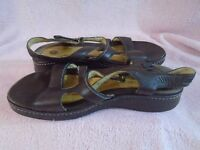 CLarks Brown Womens Unstructured Leather Sandals Size 8 1/2