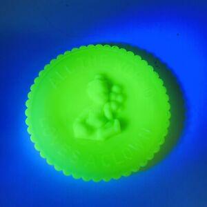 "Mosser Art Glass Plate Yellow Vaseline Swirl All the World Loves a Clown 3.5"""