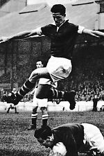Football photo > Bill Holden Burnley 1954-55