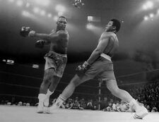 JOE FRAZIER MISSES MUHAMMAD ALI 8X10 PHOTO BOXING