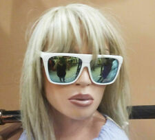Quay of Australia sunglasses white with mirrored lenses NWT
