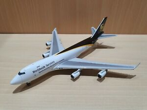 Gemini Jets 1:400 UPS Boeing 747-400F Reg: N570UP with stand GJUPS861 rare