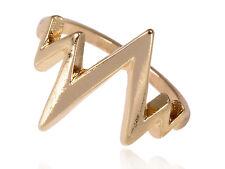 Contemporary Golden Metal Tone Single Row Lifeline Pattern Fashion Ring Clr