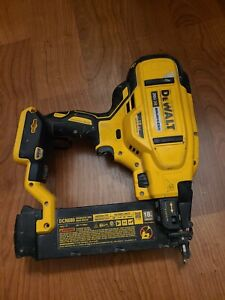 DeWalt DCN680 20v Brad Nailer,  18ga, Cordless Finish Nailer, works!