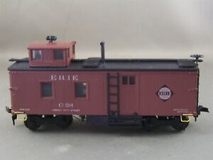 Roundhouse - Erie - Old Timer Caboose + Wgt # C-28