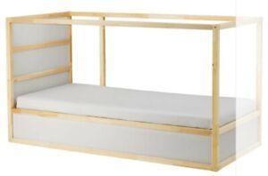 Kinder- und Jugendbett KURA von Ikea umbaufähig, weiß/Kiefer90x200 cm