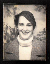 JAUNTY ANGLE HAT GORGEOUS SMILE HIPSTER WOMAN ~ 1930s PHOTOBOOTH PHOTO!